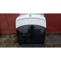 крышка багажника(пятая дверь) 5E5827023B белая со спойлером